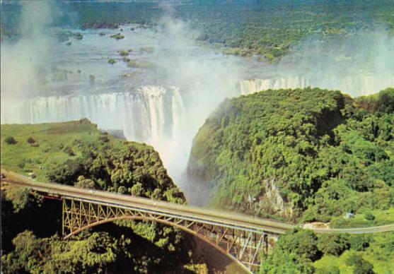 Extrêmement Victoria Falls Bridge sur le Zam CP77